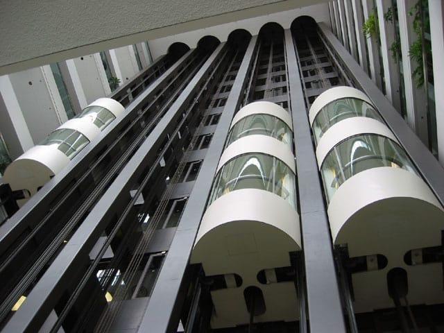 La belleza de los ascensores panorámicos