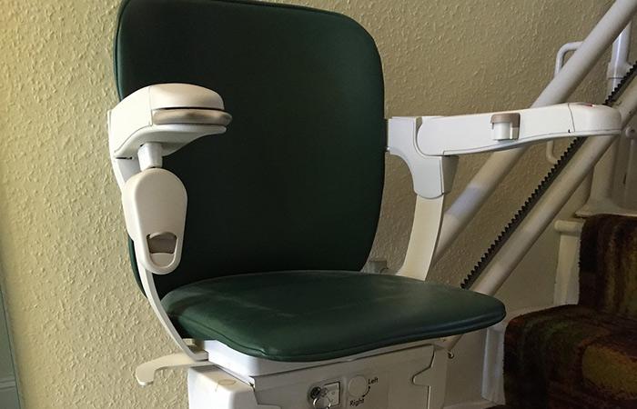 Instalar una silla salvaescaleras