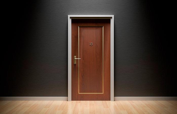El número 13 en el ascensor